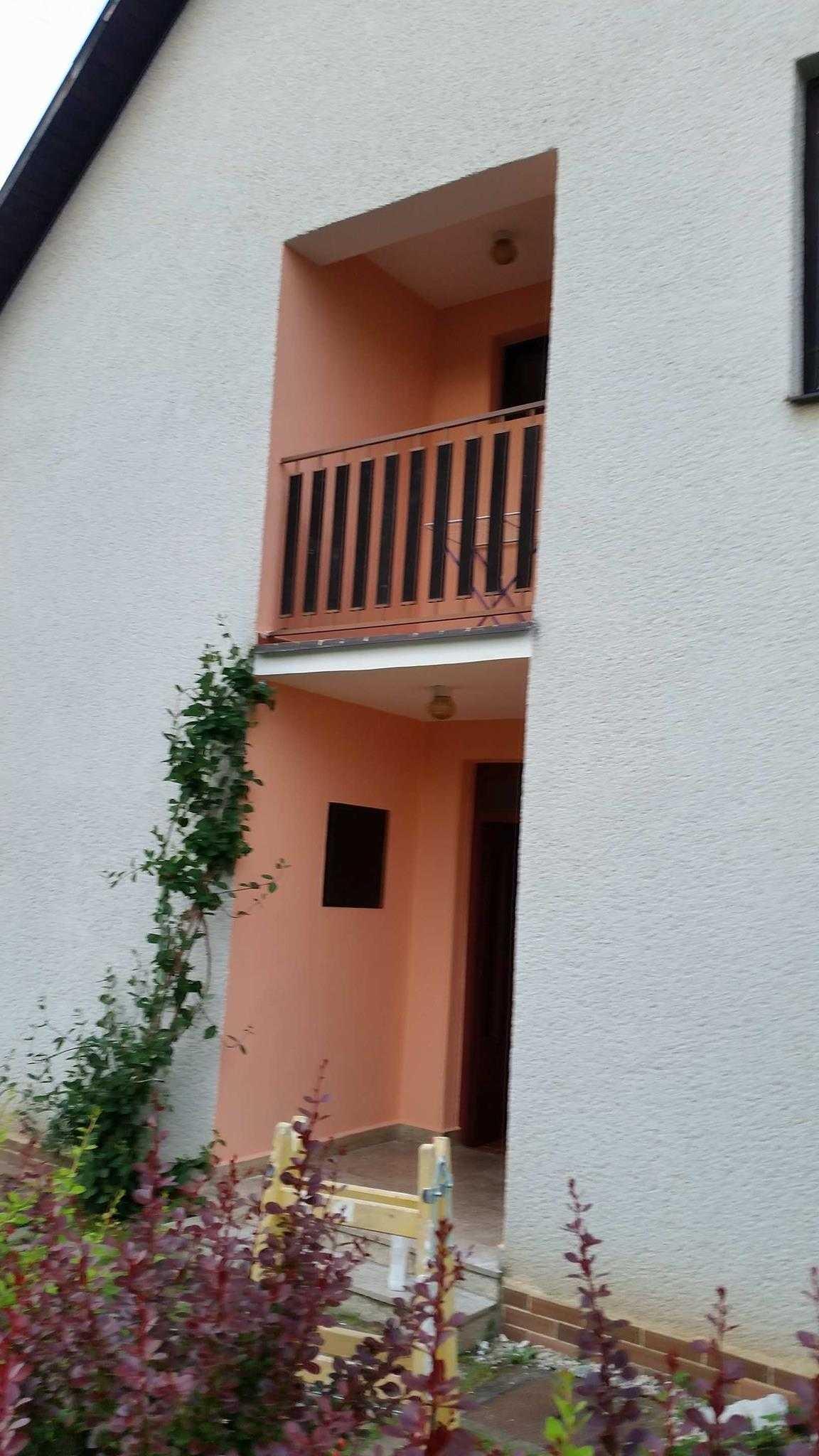 Vstup + balkón 21073721